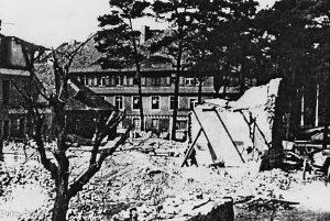 Struveshof nach dem Bombenangriff