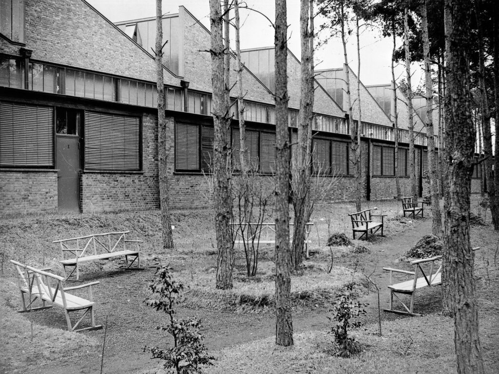 Werk Genshagen, DB-Motoren GmbH. Sämtliche Werkhallen sind von Wald umgeben, 1940.